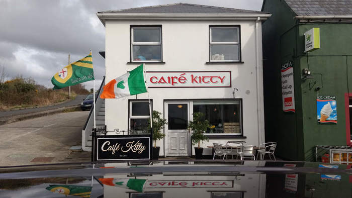 Caifé Kitty, Gweedore